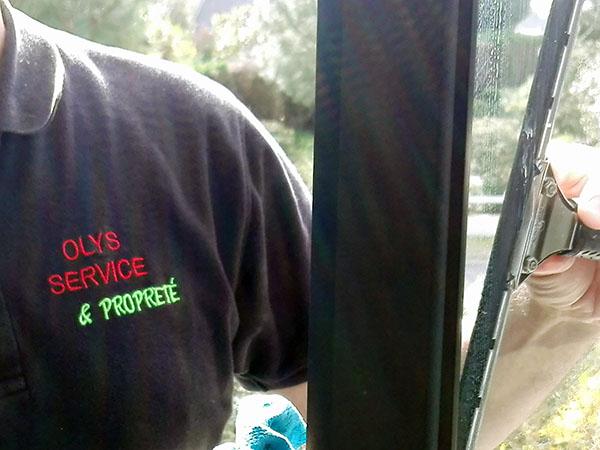 OLYS SERVICE était présent sur PONTCHATEAU pour le nettoyage de vitres